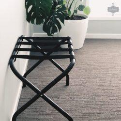 Siyah Bavul Açma Sehpası