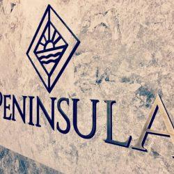 Peninsula giriş tabelası