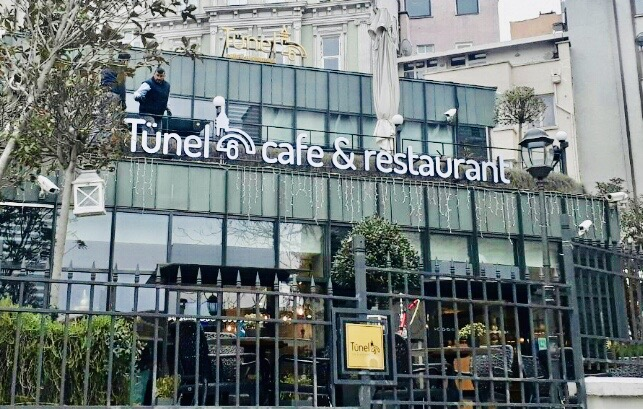 Tünel Cafe Yazısı